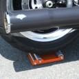 Nu kommer Wheel Jockey med en uppföljare för de lite större maskinerna. När du vill rotera ett motorcykelhjul vid rengöring, underhåll, kontroll av däcktryck är Big Boy Wheel Jockey speciellt […]