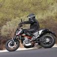 Vi befinner oss i vulkanbergen i centrala Gran Canaria. Provkörningen av nya KTM 690 Duke av 2012 års modell har pågått i två dagar, vägarna är smalare, krokigare och dikena […]