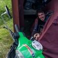 Dessa två unga italienare hittades tältandes i en busskur vid Ryd, strax utanför Gislaved. Stefano Wegher och Emanuele Bobotis. Deras fantastiska långresa på en Vespa 125 skildras på bloggen www.stefanowegher.myblog.it. […]