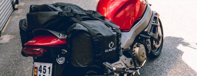 Har du inga väskor monterade på hojen? Det gör inget. Du kan köpa sadelväskor från ett flertal tillverkare. Här ser du XLmotos nya sadelväskor som rymmer 20 liter per väska. […]